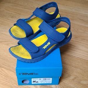 Size 3 kids Teva sandals